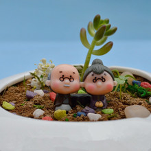 Latest 2Pcs Cute Mini Figurines Miniature Old Granny Grandpa Resin Crafts Ornament Fairy Garden Home Decoration(China)