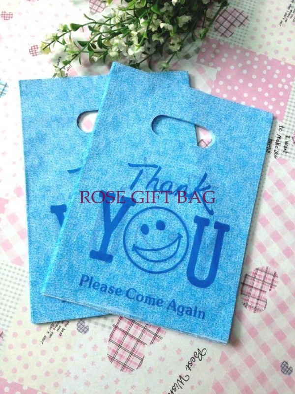 500pcs Lot 15 20cm Plastic Bag Blue Smile Face Printed Boutique Gift Packaging Practial Hand Carrier Ping Bags In Wring