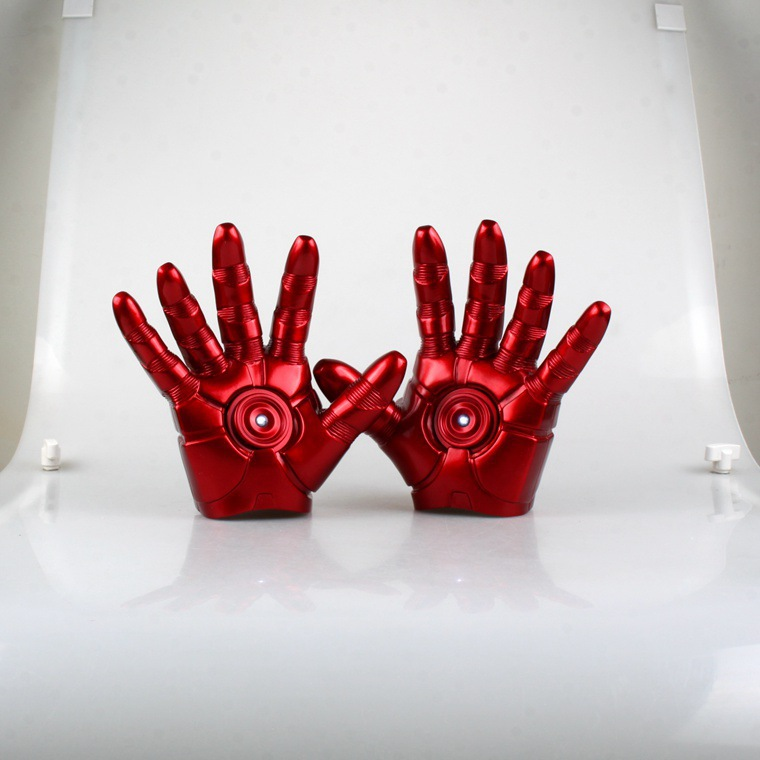 MODEL FANS FreeShipping Iron Man Gloves IRONMAN MK3 gloves perfect version 1:1 movable LED Light Action figure Toys Classic Toys man kung mk cb50