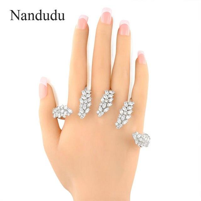 Nandudu Fashion Palm Bracelet Zircon Hand Cuff Punk Style Platinum Plated 2017 New Female Jewelry R890