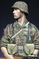 Crazy King1/16 resin figure soldier model World War II double headed teacher GK white model hand 176