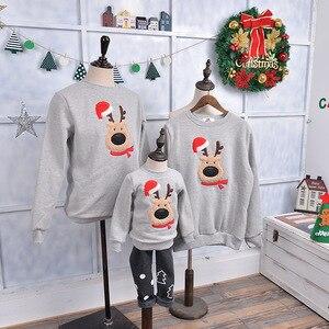 Image 2 - Ropa a juego para toda la familia, suéter de Navidad, ropa de ciervo para niños, camiseta para niños con lana, ropa cálida para la familia, Invierno 2019