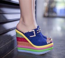 2016 nouvelles cales chaussures plate-forme d'été à fond épais petits rivets en cuir poisson lèvres Dames pantoufles en gros taille 31–40