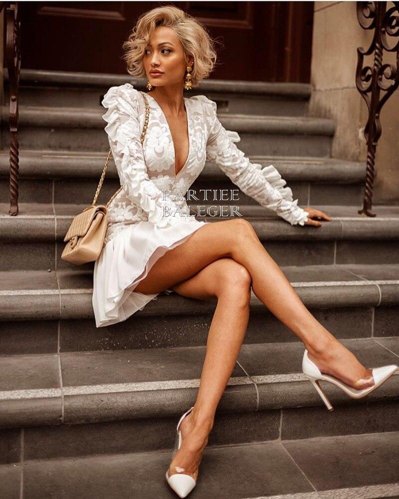 Delle Partito A Maniche Randello Nuovo Arrivo Del Vestito V Disegno Elegante Di Increspature Sexy Celebrità Scollo Mini Bianco 2019 Lunghe Ricamo gYwTqqn