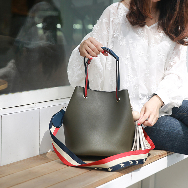 Cute Bucket Bags Bucket Leather Shoulder Sling Bags For Women Drawstring Handbags Ladies Small Crossbody Bucket Bag 5