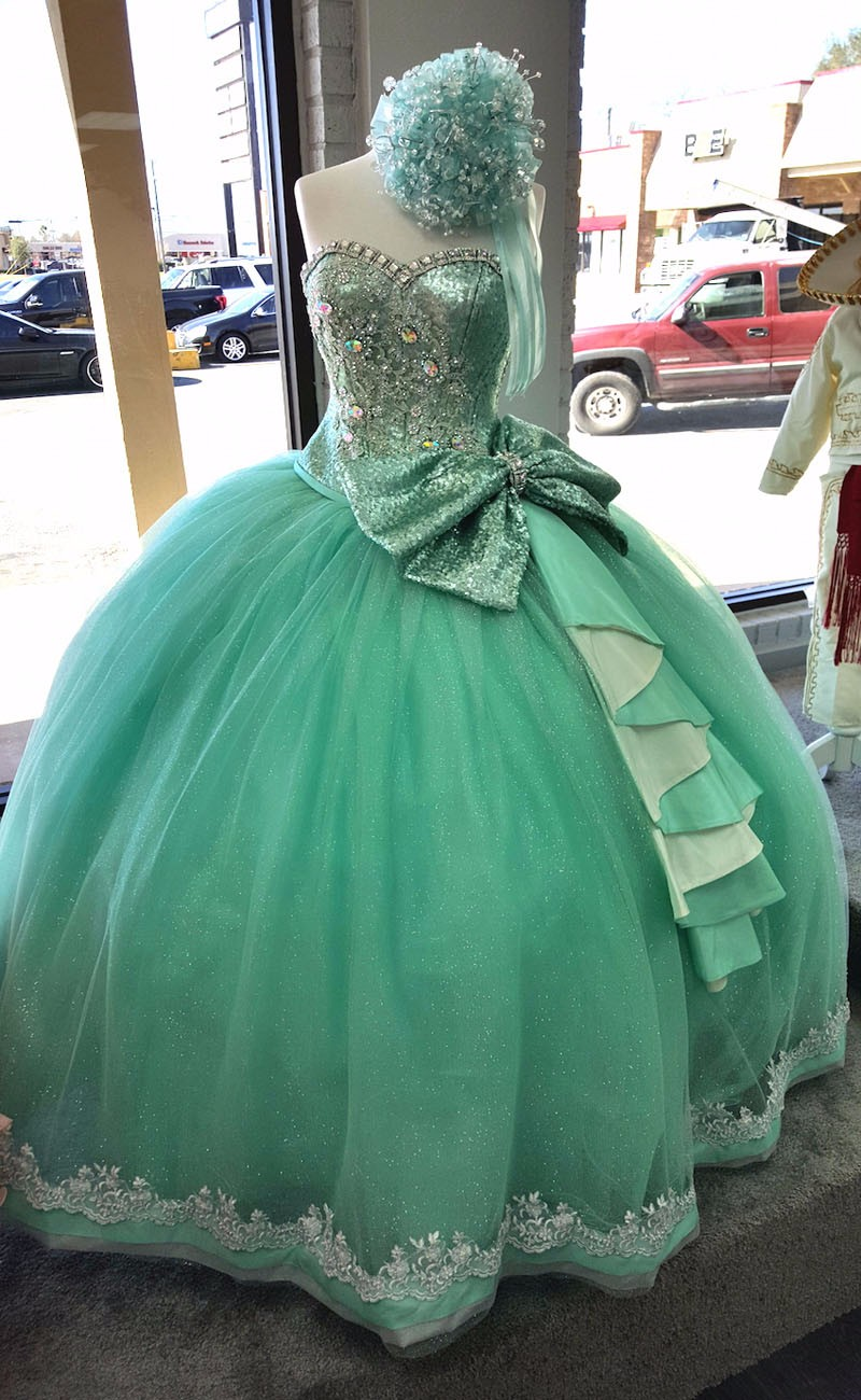 bellas_xv_quinceanera_dresses_20160202_110018