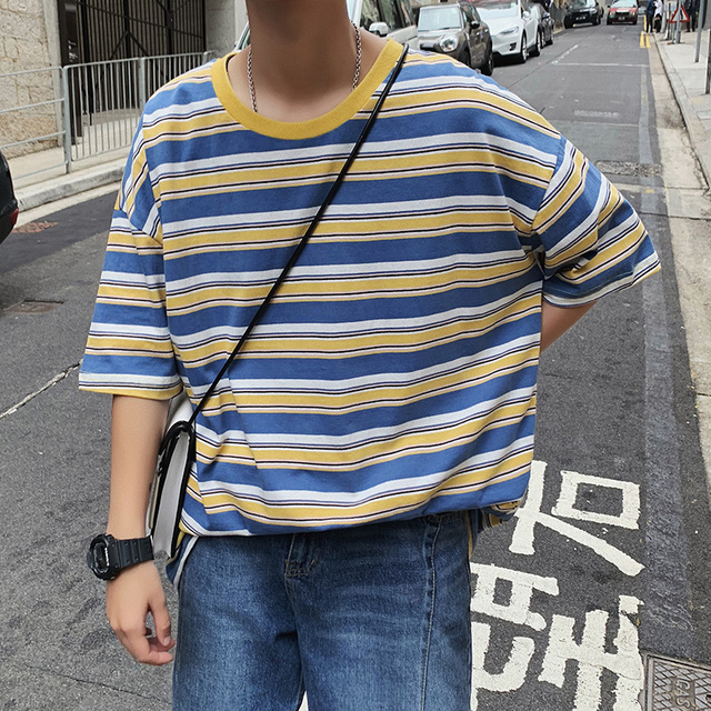 Korean version of loose fashion T-shirt with round collar stripes and short sleeves