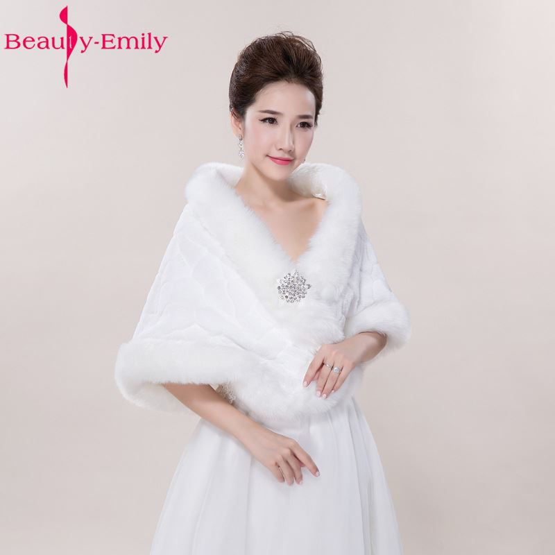 Plus SIze Winter Wedding Shawl For Bride High Quality White Fax Fur Wedding Cape With Crystals Bridal Jackets Wedding Coats 2017