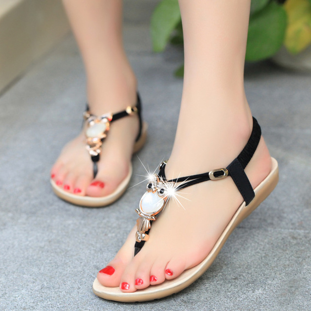 The new summer Women sweet flat sandals diamond chain beach shoes sandals