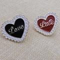 """Moda nueva letra """"LOVE"""" AMOR negro/rojo broche insignias de estilo de Japón y Corea Del Sur al por mayor fabricantes venta"""