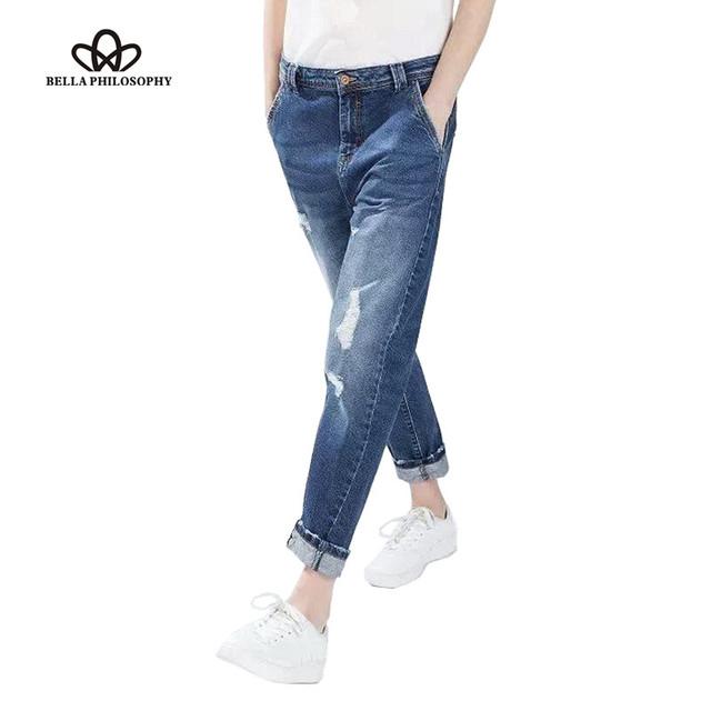 2017 primavera últimas senhoras de cintura alta solto estilo boyfriend jeans em lavagem com joelho rasgado do vintage foto real