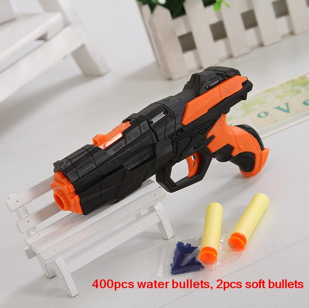 Viimeisin pehmeä luodinpistoolin vesipistoolilelu EVA-bullet + vesipommi kaksikäyttöinen pistooli murtuu kristallipelien ammuntaan