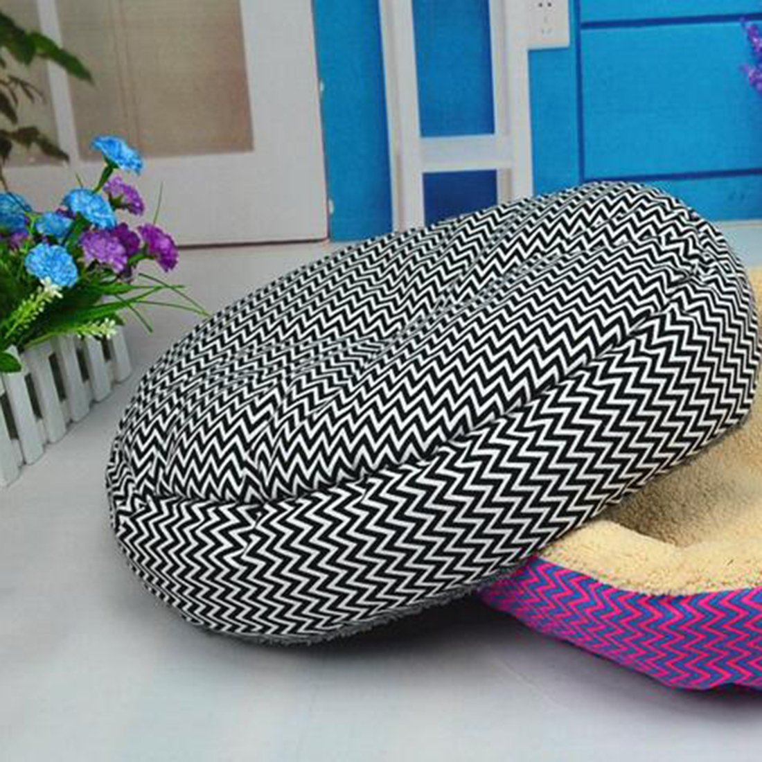 Warm Pet Beds for Comfortable Sleeping of Puppies and Kitten Suitable for Winter Made of PP Cotton 3