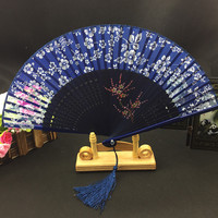 Krótki Silk Ręki Fan Pomponem Ręcznie malowanie Bambusa Chiński Składane Wentylatora dla Kobiet Małe Ręczne Wentylatory Wedding Favor Rzemiosło prezent