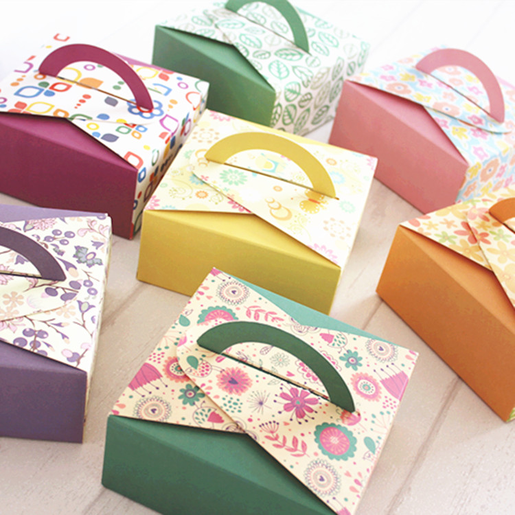 Free shipping, 50pcs 14x14x6.5cm color baking box, puff cake  pastry biscuit boxes, portable square cake box,Six colors