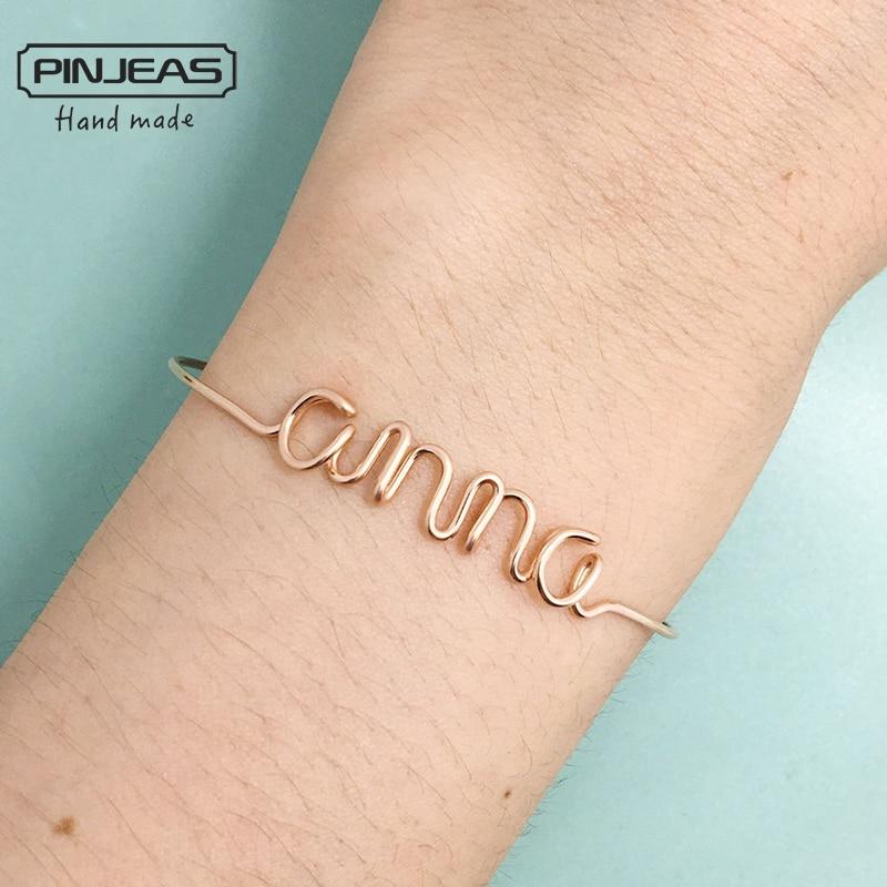 PINJEAS Benutzerdefinierte Name Armband Handgemachte DIY Wire Wrap  Personalisierten Brief Jede Wort Minimalist Armreif Frau Geschenk