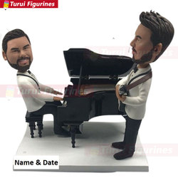 Gej topper tort weselny spersonalizowany gej topper tort weselny gej mężczyzna ozdoba na wierzch tortu gej mężczyzna prezent ślubny gra na pianinie gra Gu Posągi i rzeźby    -