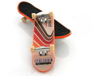 все цены на 2019 Hot Sale Upgrade Version Mini Anti-stress Skateboard Toys Kids Gift Finger Skateboard Ultimate Parks Toys Skate онлайн