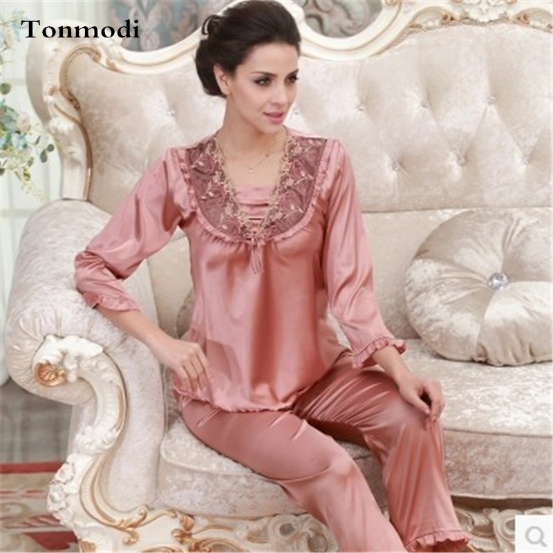 2016 Luxury Pajamas Set For Women Long sleeve Stitch silk Satin Sleepwear  Pyjamas Women-in Pajama Sets from Women s Clothing   Accessories ec89ef271