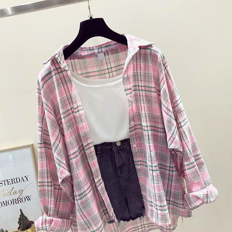 2019 Spring Summer Plaid Shirt Blouse Female Korea College Loose Chiffon Tops Fashion Bat Sleeve Loose Cardigan Coat Clothes