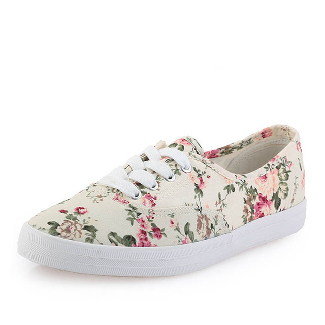 3e373193b8 US $19.95  fresh new 2014 canvas shoes women casual shoes low flat cotton  made lazy single shoes flower printed platform female 517-in Men's Casual  ...