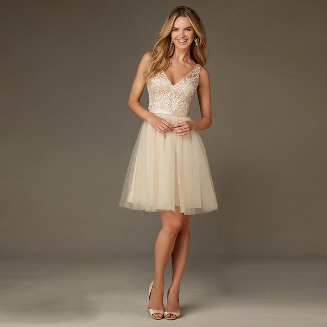 Champagne Kurze Brautjungfer Kleider 2017 Mode V Ausschnitt