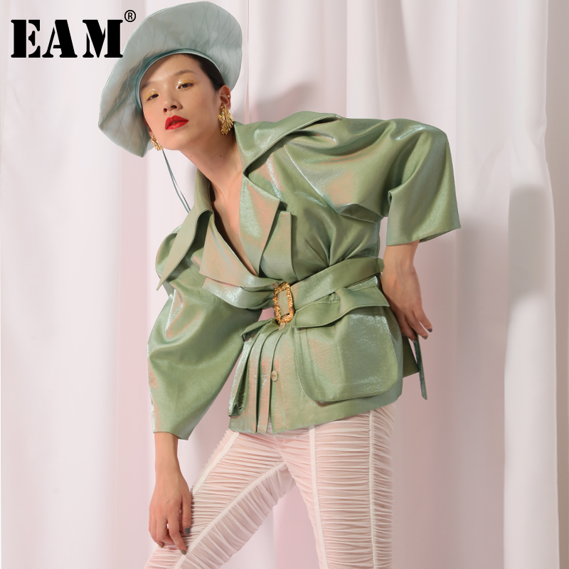 EAM 2019 New Spring Lapel Large Shoulder Long Sleeve Green Waist Bandage Pocket Loose Jacket