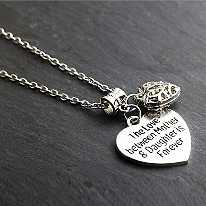 HTB147R5PVXXXXc6XpXXq6xXFXXXx - 'Mother's Love is Forever' Two Hearts Necklace