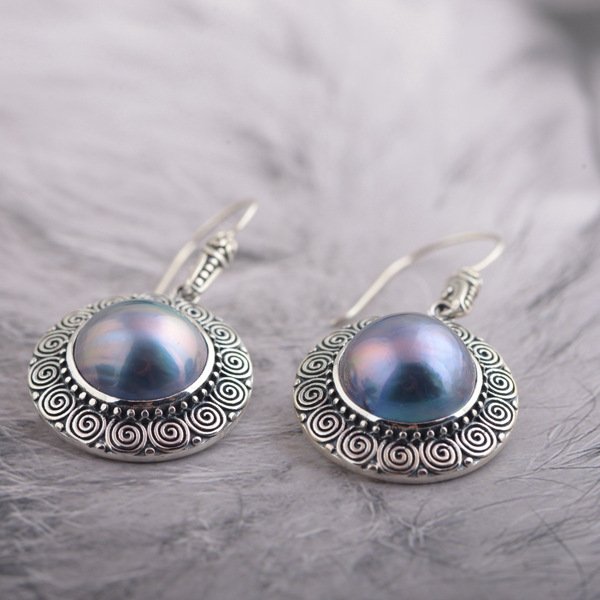 цены 2018 New Jewelry Real Pearl Earrings S925 Pure Silver Wholesale Archaize Process Female Present New Products