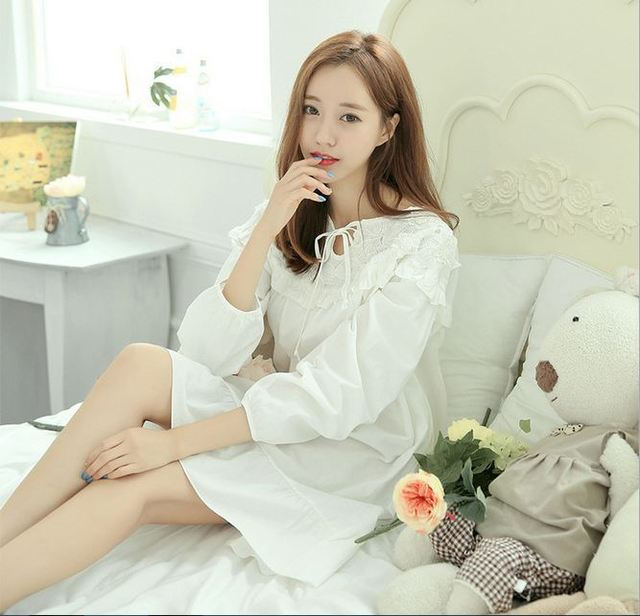 Lisacmvpnel 2015 fashion high-grade cotton quality woven white  sweet princess nightdress Korean style embroidered nightgown