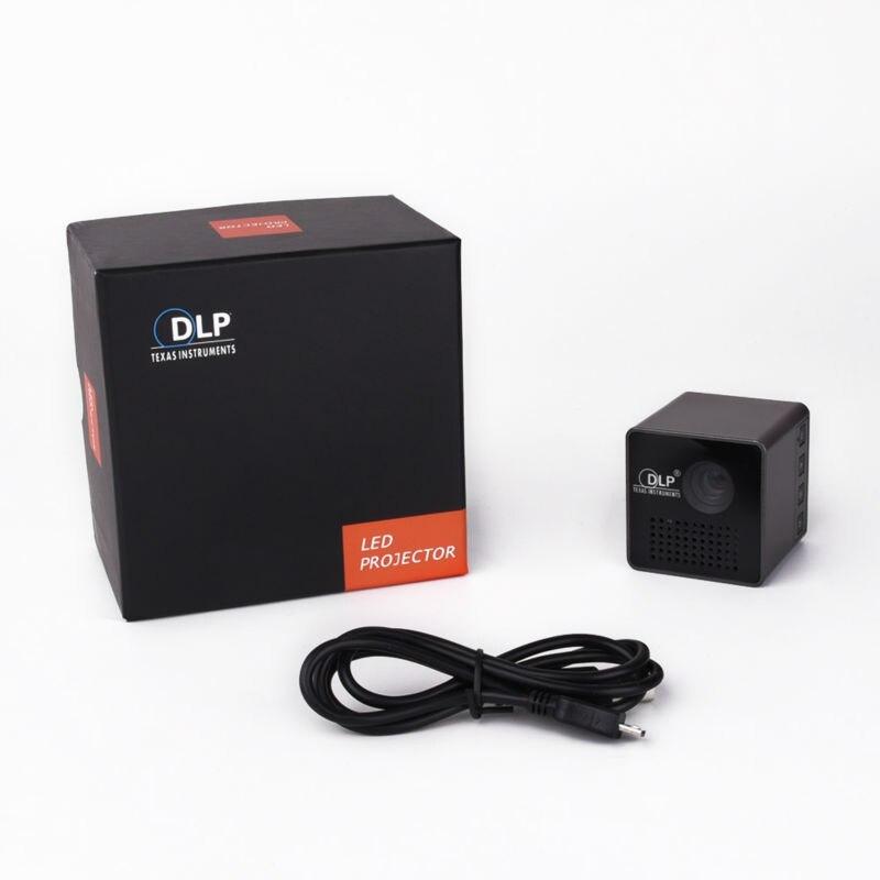 UNIC P1 Pico Portable Projector (20)