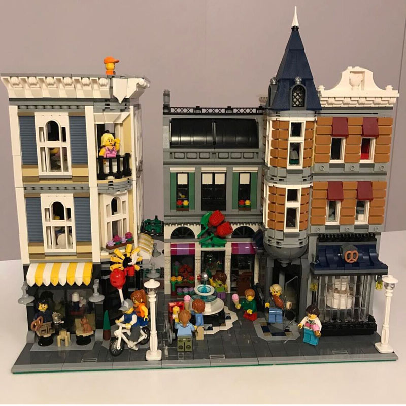 Lepin 15019 4122PCS MOC The Assembly Square With Light Sets Model Building Blocks Kits Bricks Toys Compatible With 10255 in stock with light 15019b 4122pcs lepin 15019 4002pcs assembly square city serie model building kits brick toy compatible 10255