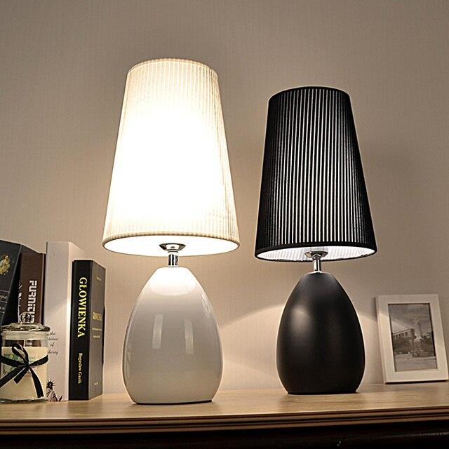 Modern Fashion Decoraction E27 90~260V Black/White Table Lamps For Bedroom/Living Room Table Lighting Desk Light WTL023