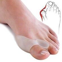 2Pcs = 1Pair Silicone Toes Separator Regolatore Borsite Bone Ectropion Toes Esterno Appliance Strumenti di Cura Del Piede Alluce Valgo correttore