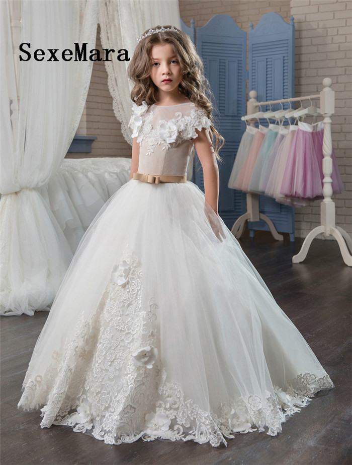 все цены на Ball Gown White Ivory Flower Girls Dresses For Wedding Lace Applique O Neck Girls Dress for Wedding First Communion Dress