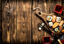 цена Laeacco Old Wooden Board Texture Delicious Food Photography Backgrounds Customized Photographic Backdrops For Photo Studio онлайн в 2017 году