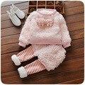 Niño del bebé infantil rosa sistemas de la ropa de lana de oveja abrigo de invierno + pants 2 Unids princesa enfant bebé ropa Ropa de Bebé