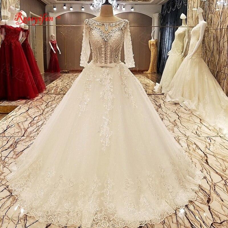 Аппликация камнями в платье