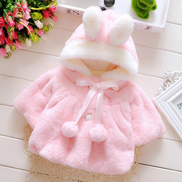 Девочка одежда осень зима куртка младенца прекрасный мягкий младенческой девушки верхняя одежда пальто кролика с капюшоном ребенок флис пончо