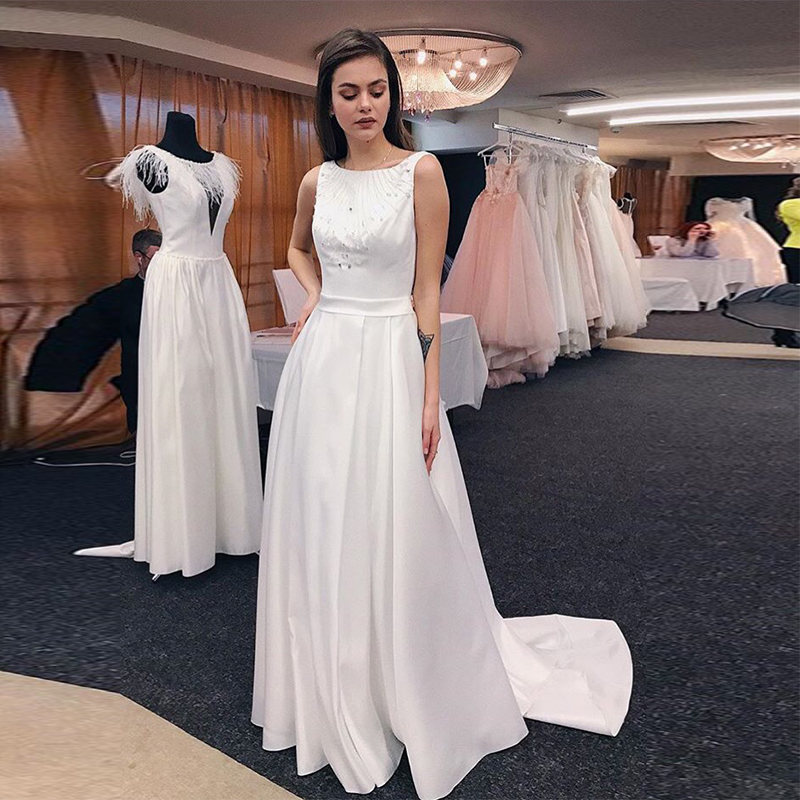 Simple A-line Scoop Neck Wedding Dresses Sleeveless Sweep Train Bridal Gown Backless White Ivory Beaded Satin Vestidos De Noiva