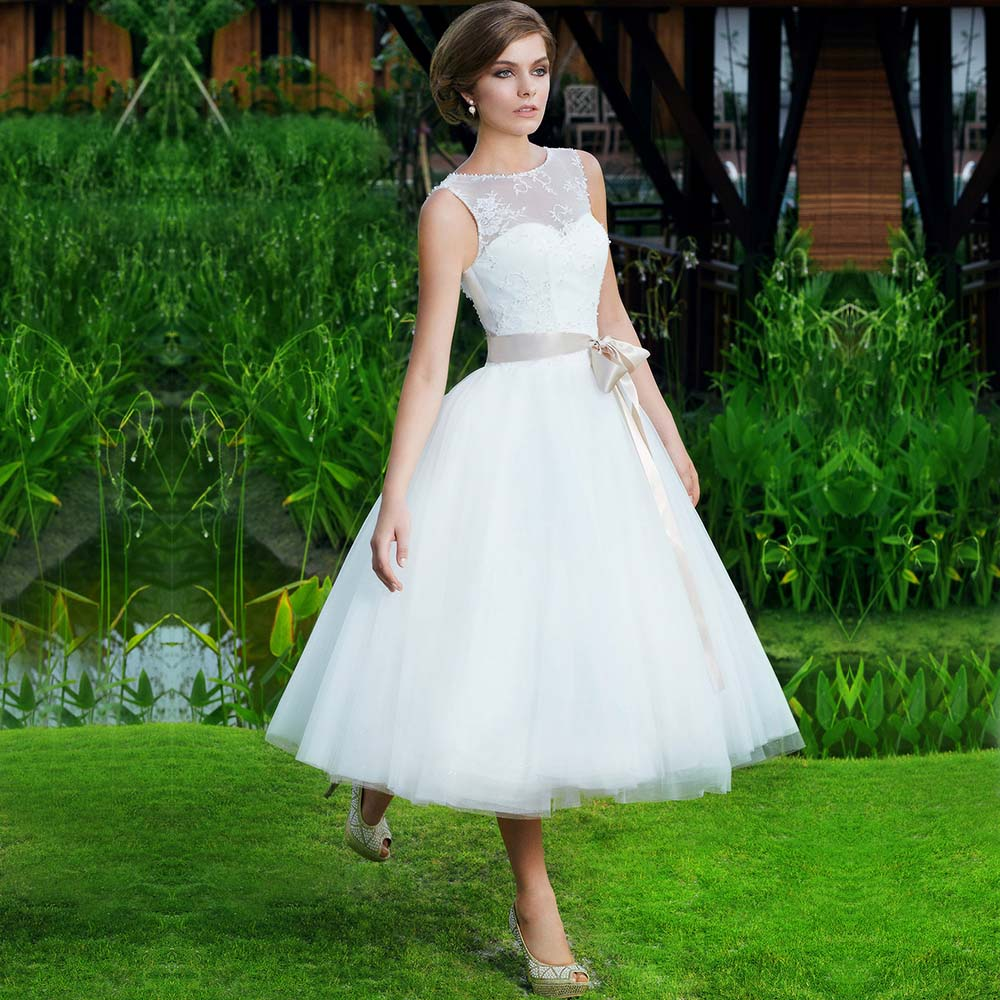 Wedding Gown Wholesalers: 2016 Wholesale Factory Lace Scoop Ball Gown T Length Short