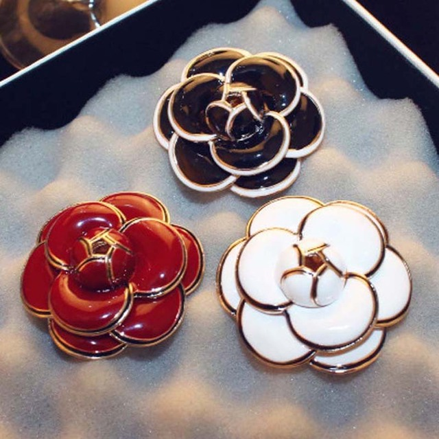 df5f09b34 Luxury CC Enamel Camellia Flowers Channel Jewelry Brooches Broaches For  Women Sweater Dress Lapel pins accessaries for Clothes -in Brooches from  Jewelry ...