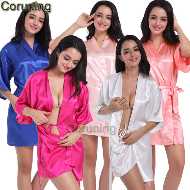 RB032 2018 New Silk Kimono Robe Bathrobe Women Silk Bridesmaid Robes Sexy  Navy Blue Robes Satin Robe Ladies Dressing Gowns 3837c2569