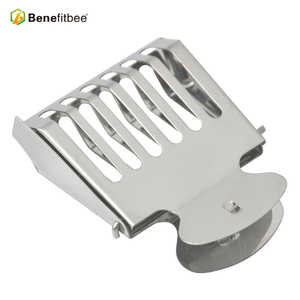 Image 1 - Benefitbee Beekeeping Tools Bee Queen Cage Stainless Steel For Beekeeping Equipment Supplier 5pcs Hot Sale Height Quality Cages