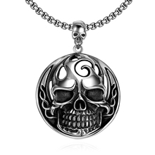 2016 New Fashion Stainless Steel Men Necklace Chain Pirates Caribbean Skull Pendant Punk Vintage Silver Color Necklaces Jewelry