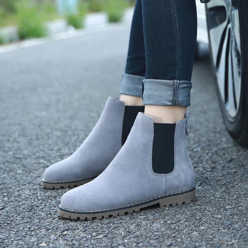 Avantgarde Schuhe High Heels mit Nieten von Louboutin