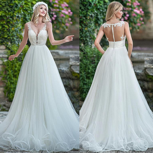 Image 1 - עדין טול V צוואר מחשוף אונליין חתונת שמלה עם חרוזים תחרה אפליקציות ספגטי רצועות שמלות כלה