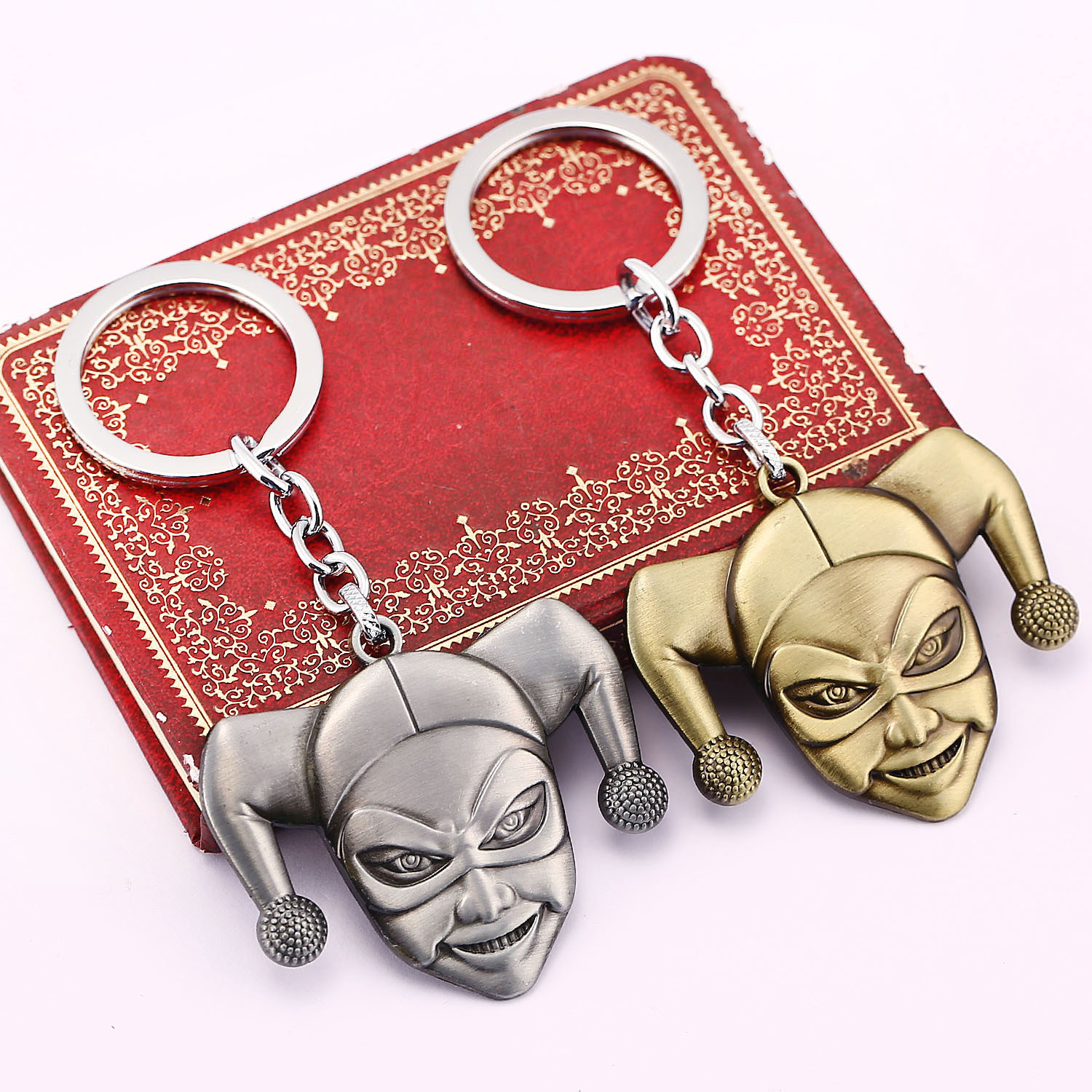 1pcs/set 2 Colors Julie New Arrival Suicide Squad Harley Quinn Joker Keychain Silver Alloy Key Chain Ring Holder For Fans Gift Toys & Hobbies