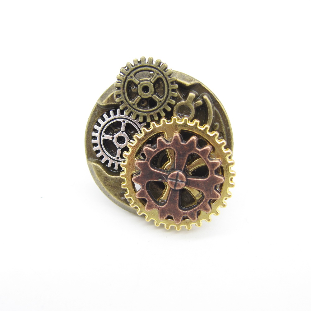 Ring In The Steampunk Decor To Pimp Up Your Home: Steampunk Gears Vintage Hand Made Ring