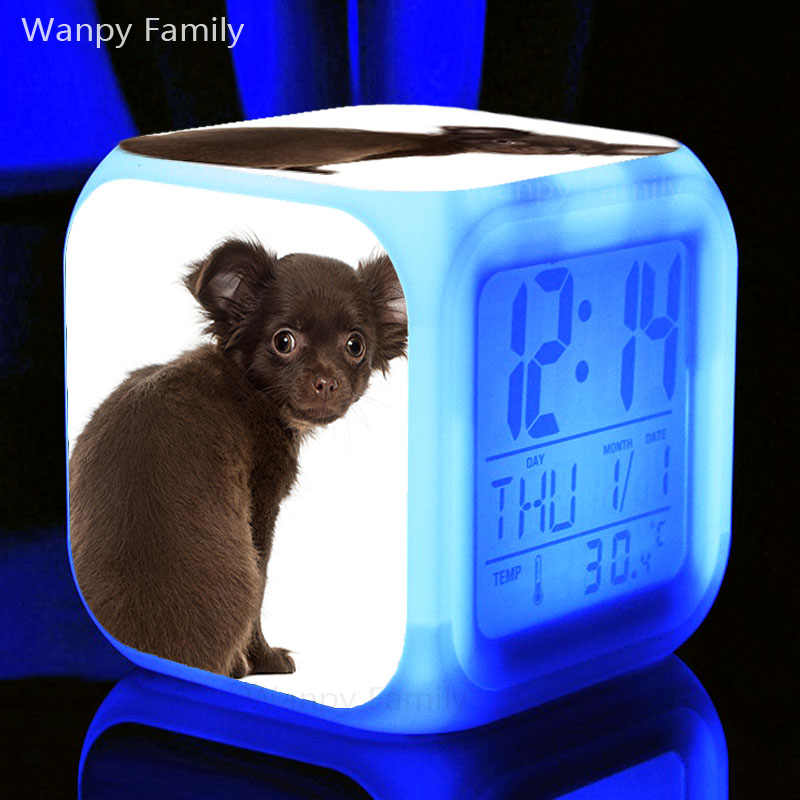 Rất Dễ Thương Chó Husky Đồng Hồ Báo Thức Đèn LED 7 Màu Đèn Flash Điện Tử Đồng Hồ Báo Thức Kỹ Thuật Số Dành Cho Trẻ Em Phòng Đèn Ngủ Đồng Hồ đồng Hồ
